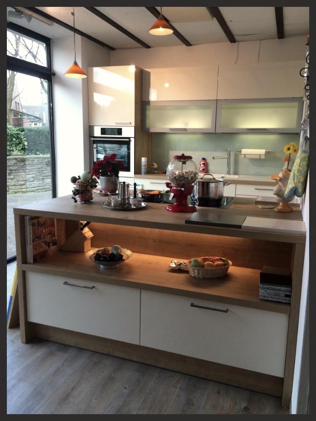 Küchenausstellung von K + M Küchenstudio